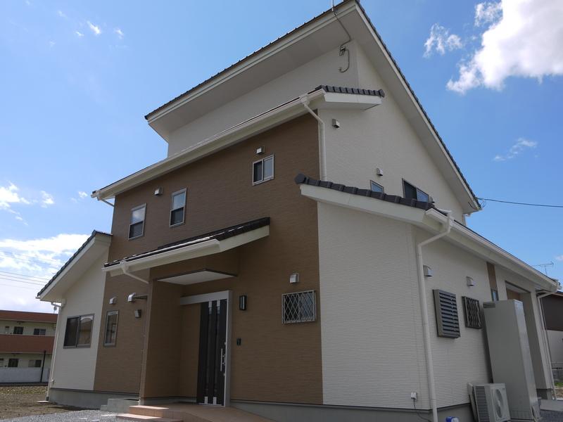 群馬県、太田市、二世帯住宅外観(二世帯住宅) お客様のご要望二世帯住宅ご希望。バイクガレージを住